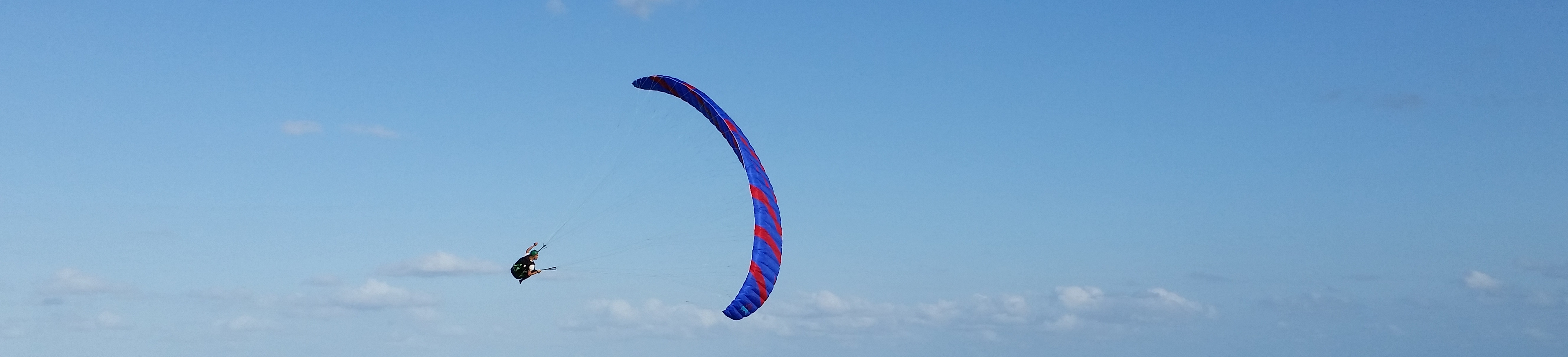 Tandem Paragliding and Pilot Courses in Newcastle, NSW - Newcastle